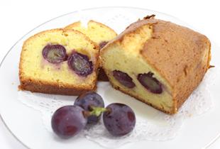 ピオーネ丸ごとパウンドケーキ